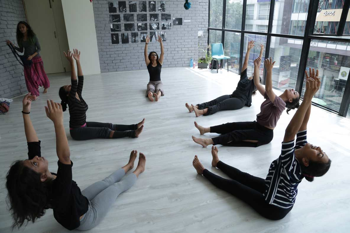 Slow Spine Movement Sessions in Bangalore at Flux: An Authentic Dance Movement Therapy